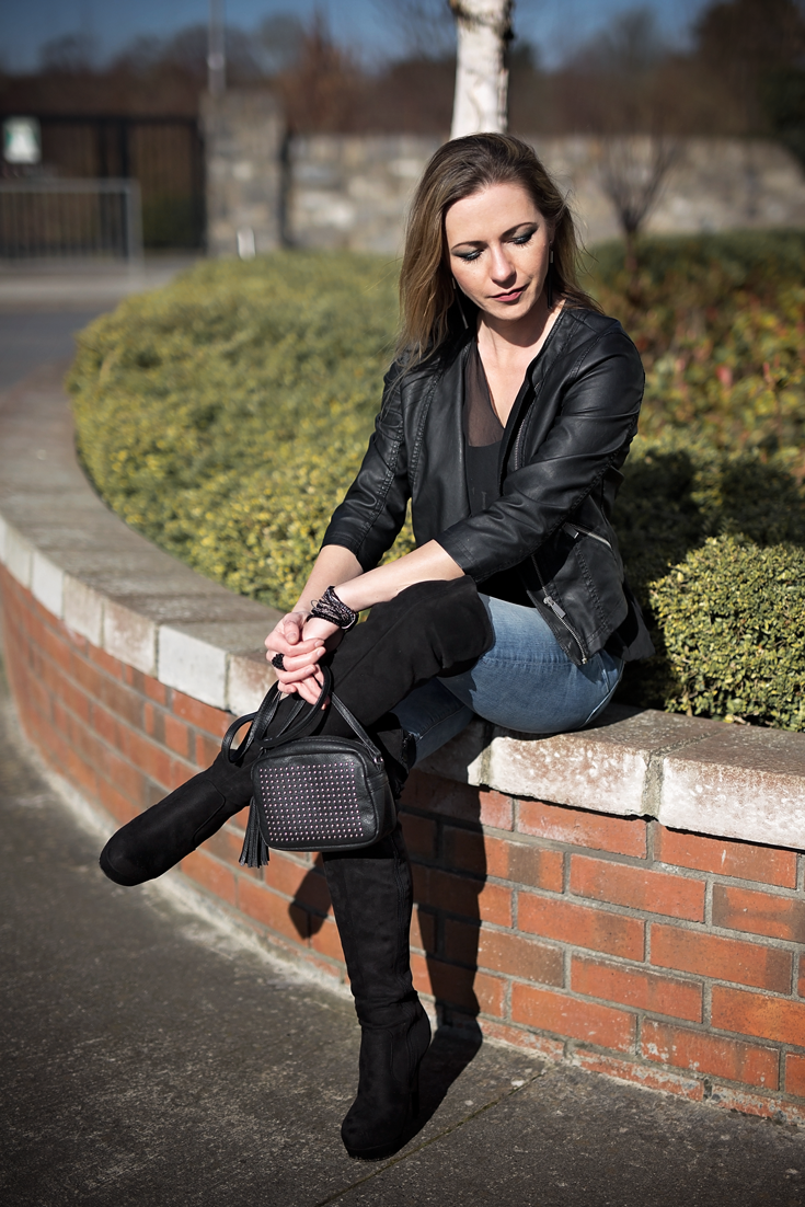 Casual look - leather and jeans